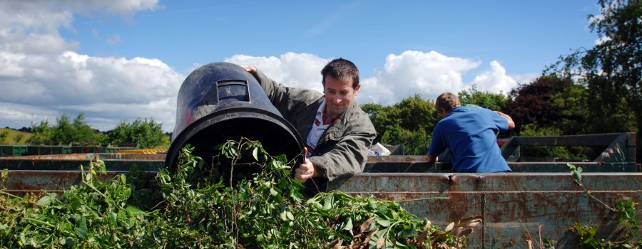 Remove Off Your Garden Waste with Junk Removal Services